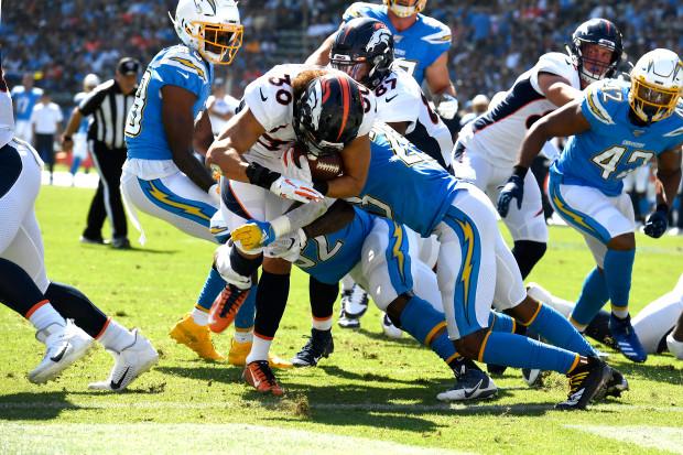 Denver Broncos vs Los Angeles Chargers