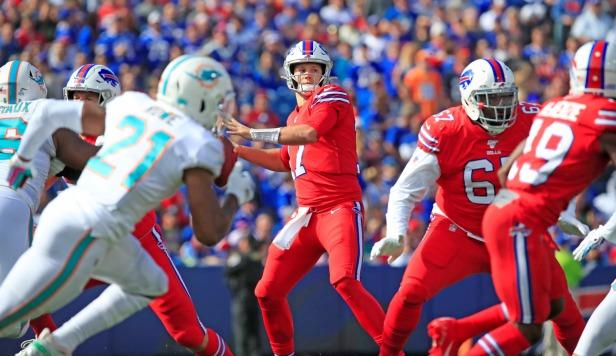 Bills-Dolphins-New Era Field-Scull