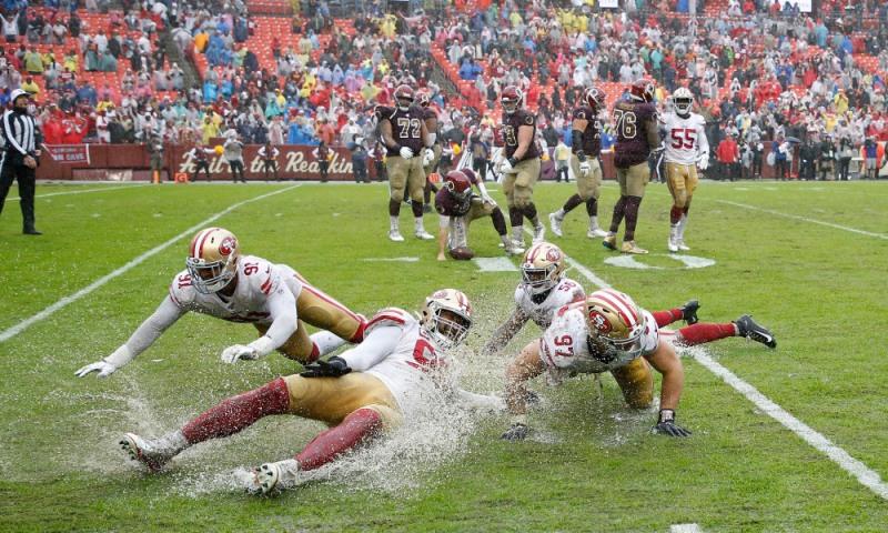NFL: San Francisco 49ers at Washington Redskins